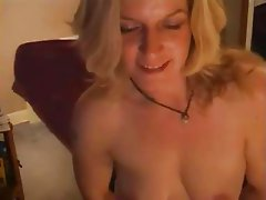UK sex mad webcammer orgasm.