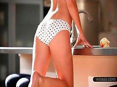Amazing Dina stripping sexy body