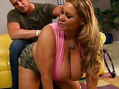 Lucky bald dude licking wet cunt chubby Samantha