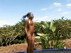 Black babe Kenya Sweetz fucking in a garden