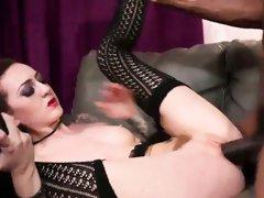 Slutty chick Isiah Maxwell enjoys in a huge black cock