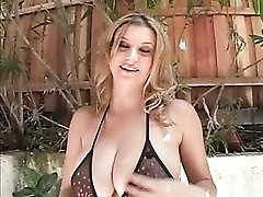 Sara Stone flawless outdoors in her lingerie set