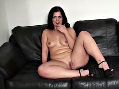 Big ass mature swinger montse fingering her wet pussy juicy