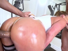 Brazzers - Big Wet Butts - Phoenix Marie Karl