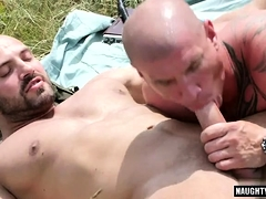 Muscle gay domination with cumshot