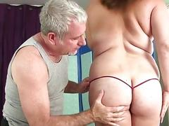 Full Figured MILF Randi Paige Gets a Toy Enhanced Massage