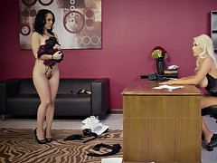 Submissive office babe likes being toyed by her lesbian boss