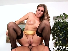 Guy stuffs throat and juicy twat of mature babe with ramrod