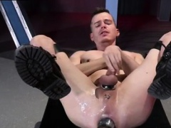 Public emo gay porn movie first time Axel Abysse crouches on