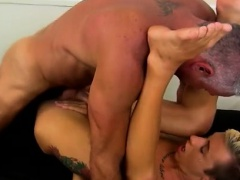 Male orgasm gay porn Josh Ford is the kind of muscle daddy I
