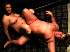 Two chunky mature lesbians eating out each other's pussies