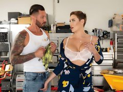 Astonishing big-boobed MILF Ryan Keely nailed in the garage